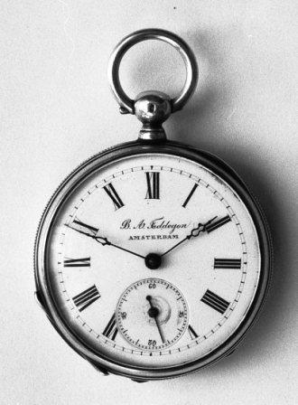 horloge verkocht door B.A.Faddegon