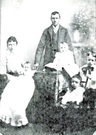 Krijn en Elizabeth met de vier oudste kinderen