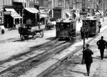 trams op het Damrak - 1893